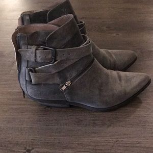 Shoes - Grey suede Italian leather boots 37